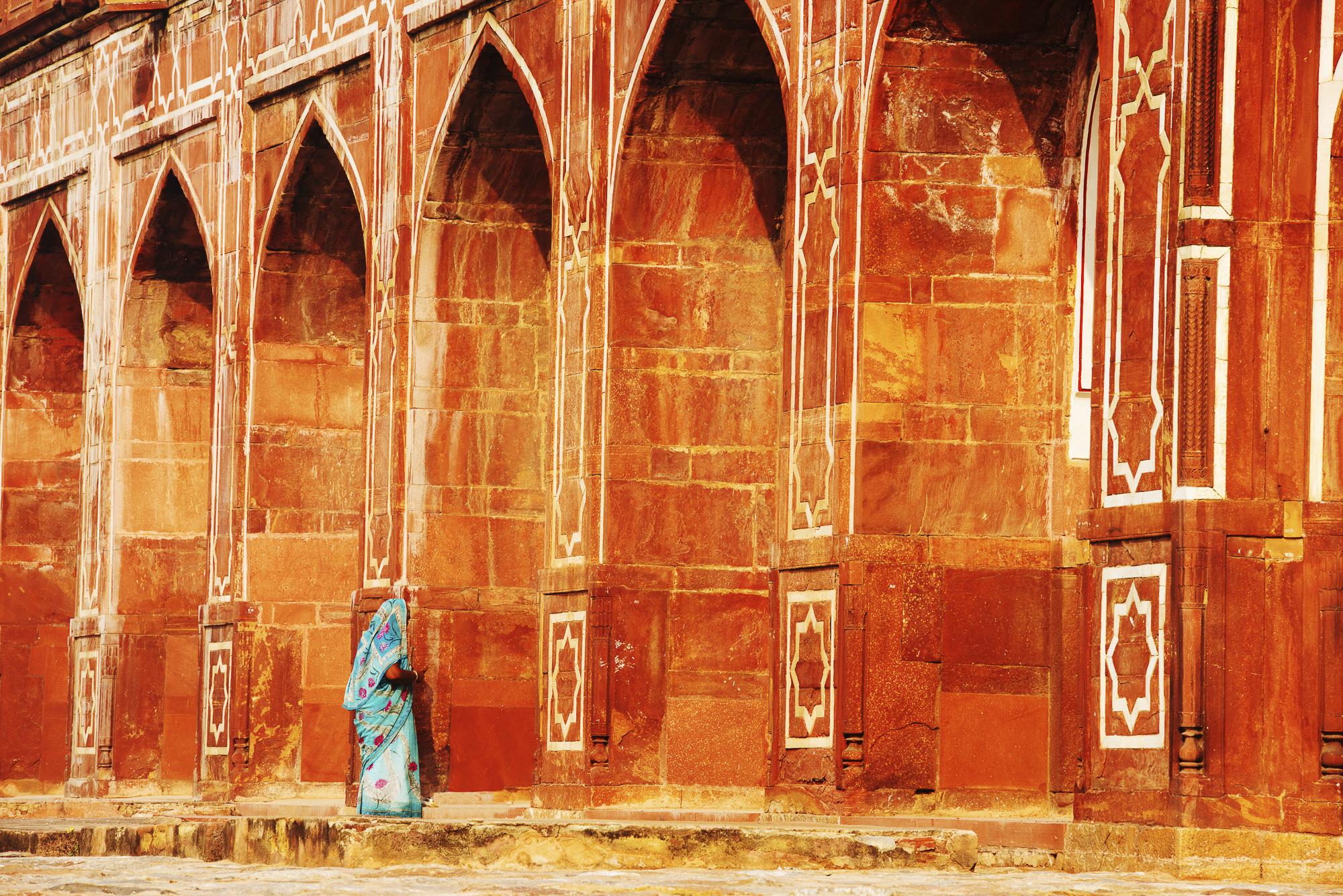 Woman & Arches of Humayun's Tomb, New Delhi, India